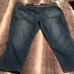 Torrid Capri jeans